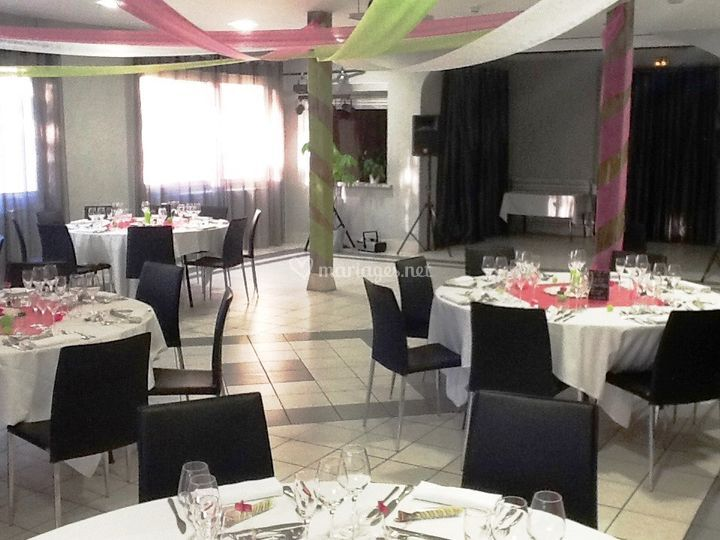 Le pont bernet - Mise en place table restaurant ...