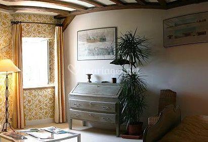 Petit salon dans la chambre