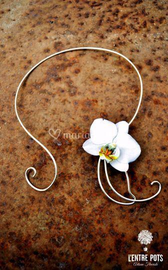 Collier orchidée blanche