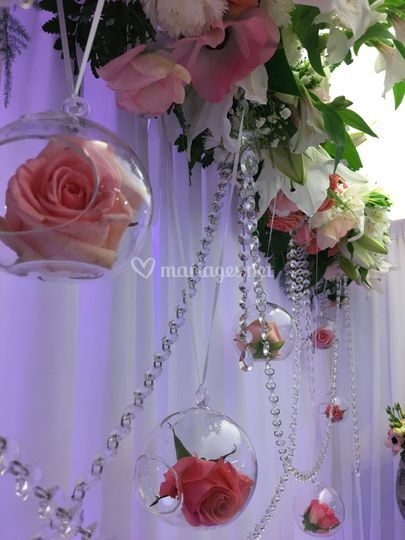 Liens d'amour et de fleurs