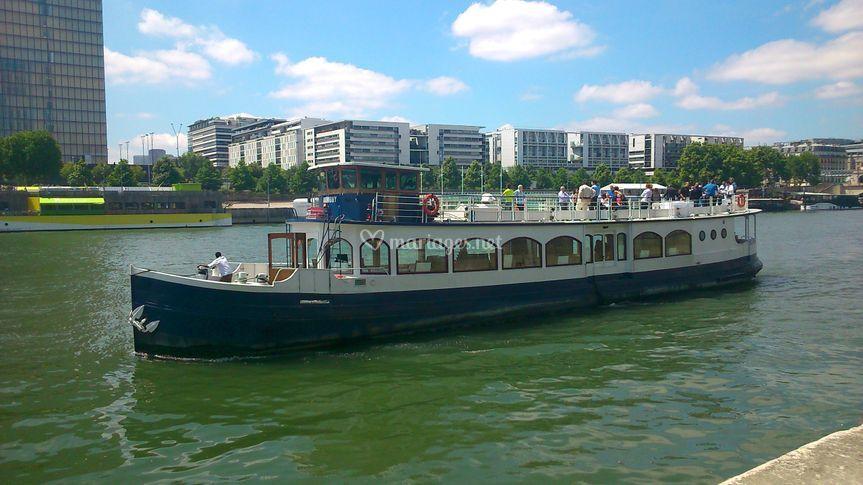 Paris croisi res for Harmony hotel paris