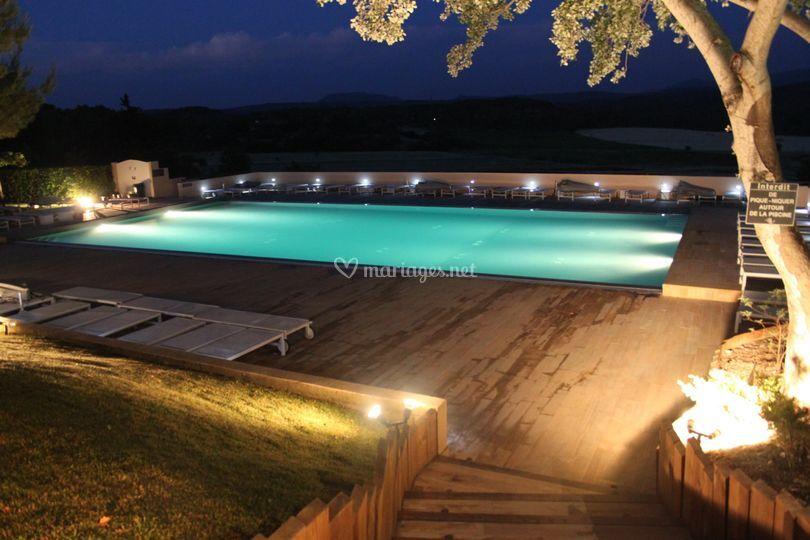 La piscine de la bastide de venelles photo 6 for Piscine venelles
