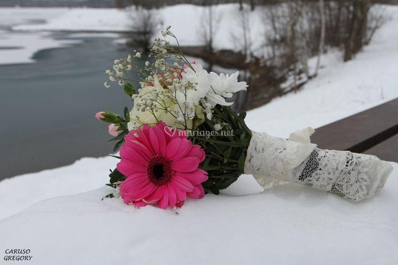 Entre fleurs et lac gelé