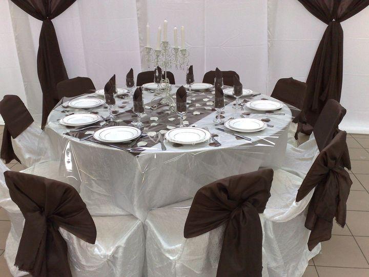 mariage royal. Black Bedroom Furniture Sets. Home Design Ideas