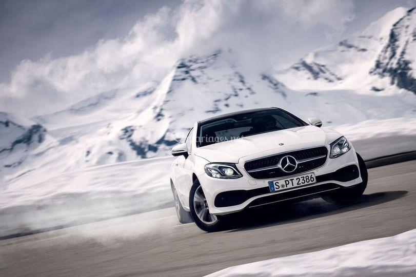 Mercedes-Benz Rent Davis 27