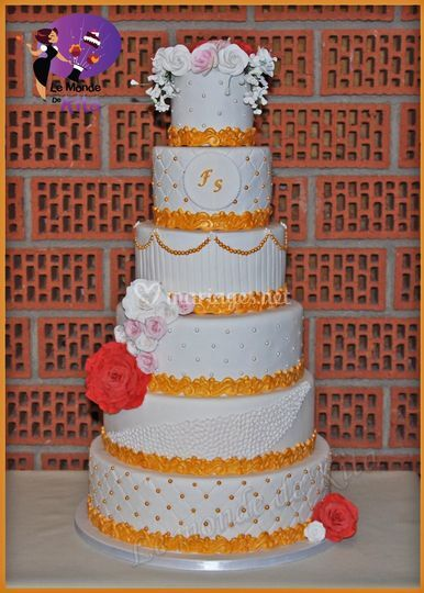 Wedding Cake Or et Blanc