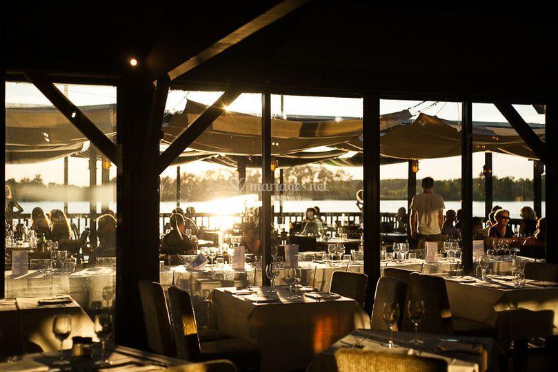 Salle de restaurant, Cheminée