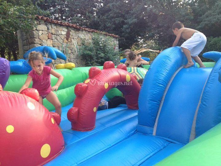 Jeux gonflables pour les enfants