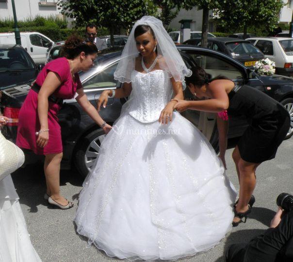 Arrivée des mariés à la marie