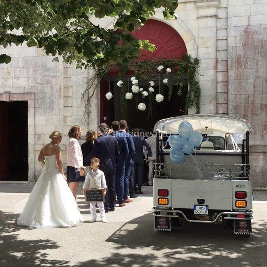 Tuktuk blanc mariage