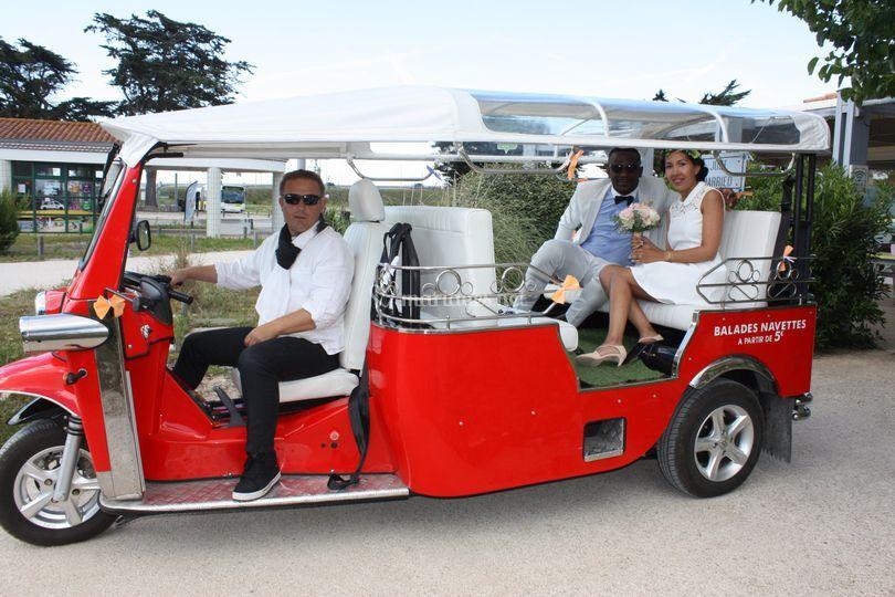 Maries en tuktuk
