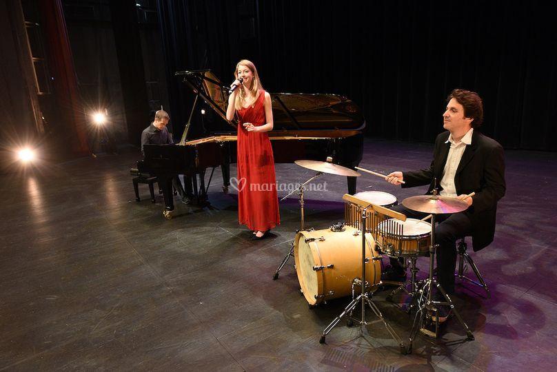 Trio pop chant piano batterie