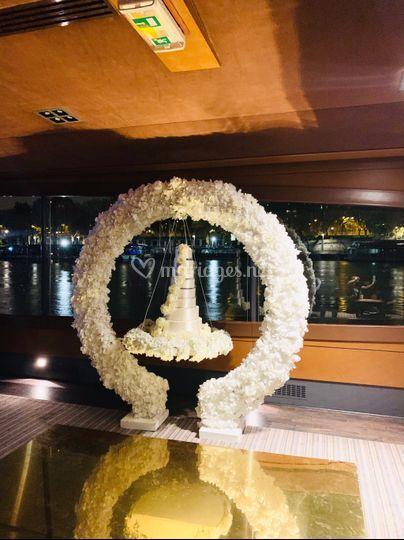 Arche florale blanche