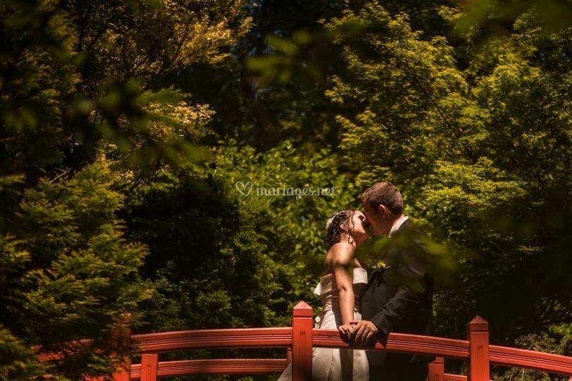 Couple mariage pont