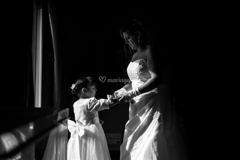 Préparatif mariée et sa fille