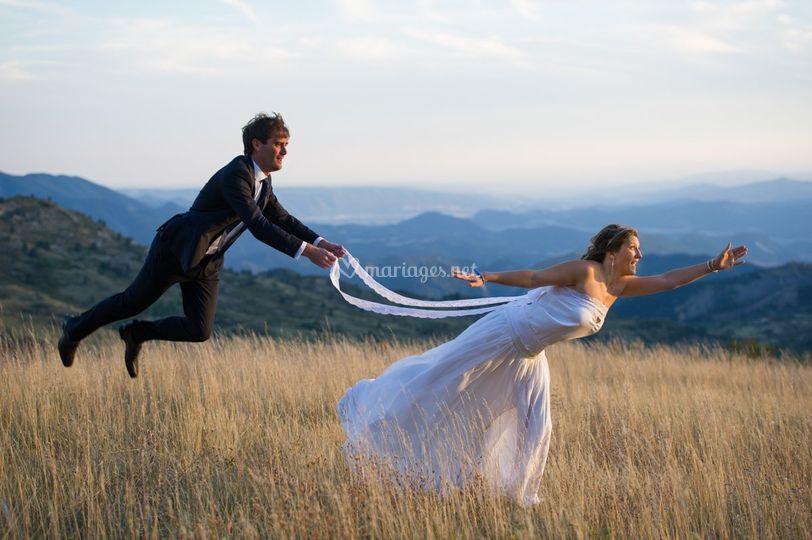 Flying groom