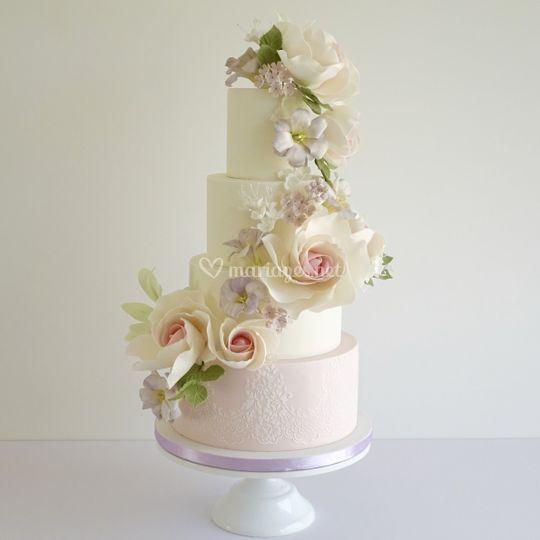 Cascade de fleurs en sucre