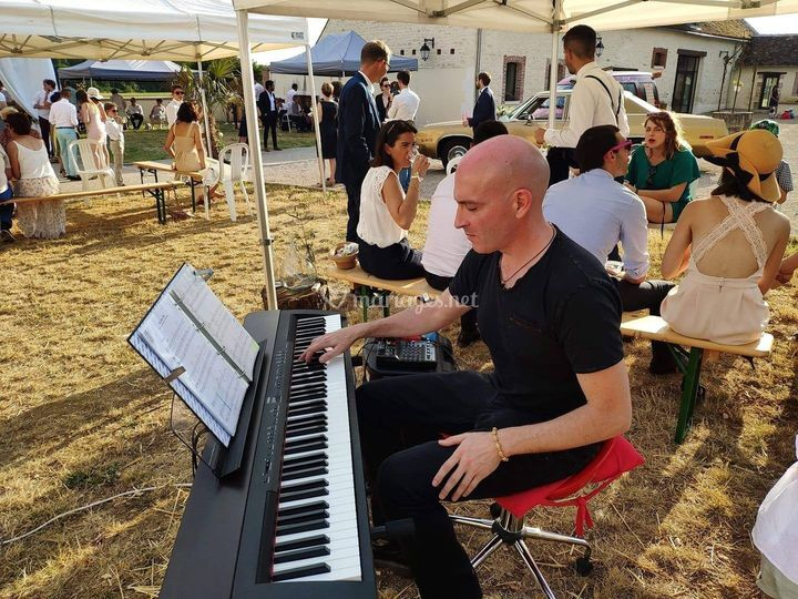 Vin d'honneur piano plein air