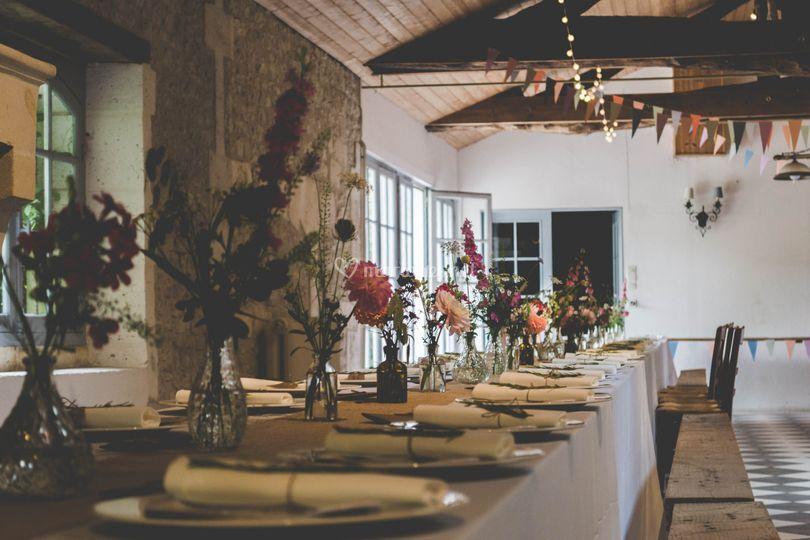 Table banquet coloré