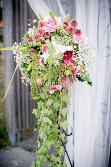 Bouquet tombant pour arche