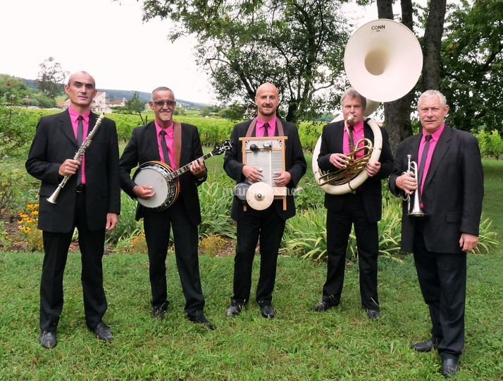 The new parade jazz band
