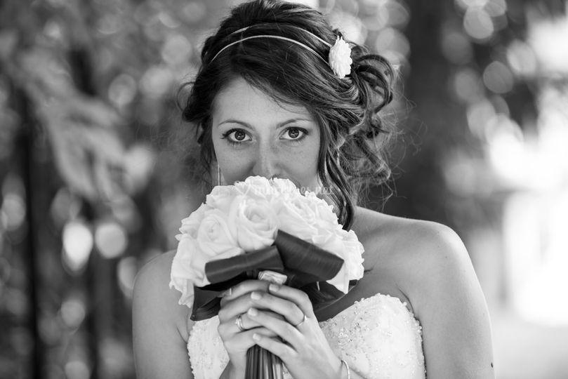 Idées de pose de photo de la mariée seule 16