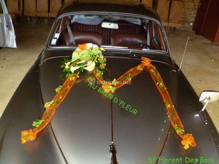 Déco florale capot de voiture