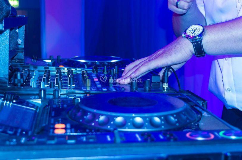 Animation DJ platines pioneer