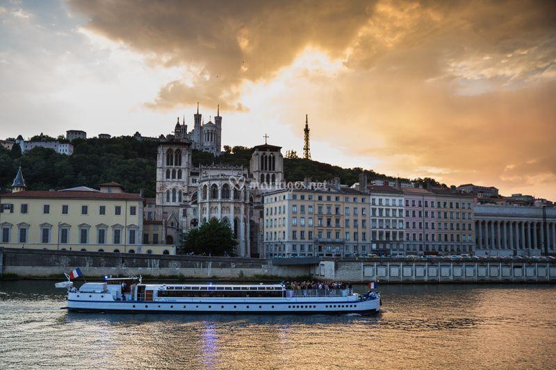 Lyon City Boat Peniche Ville De Lyon