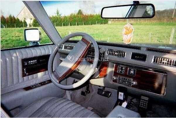 Intérieur de la Cadillac