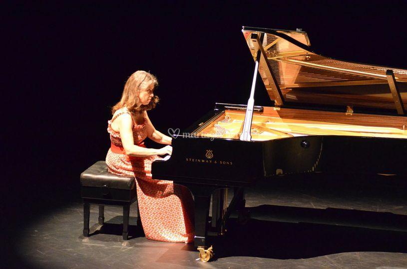 Grand piano Steinway