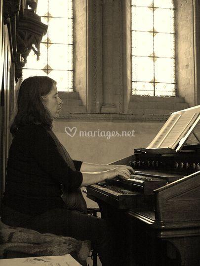 A l'orgue de la cathédrale
