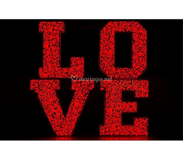 Lettres LOVE lumineux
