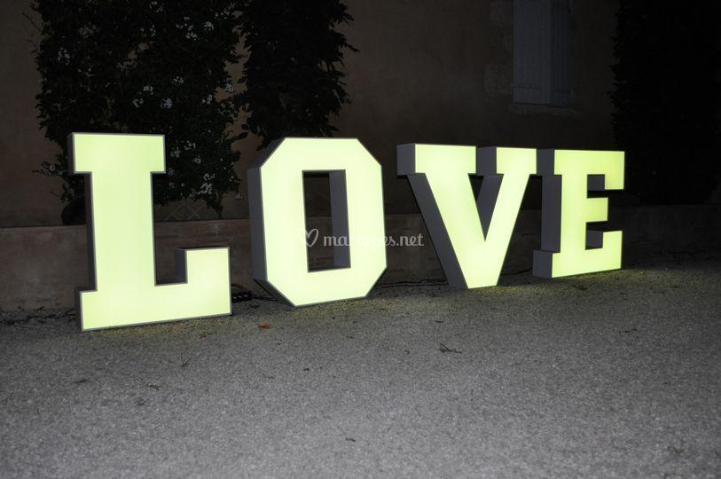 Lettres LOVE lumineux -1 mètr