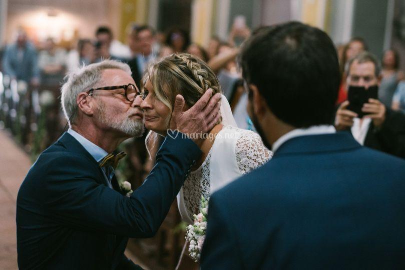 Père fille église mariage