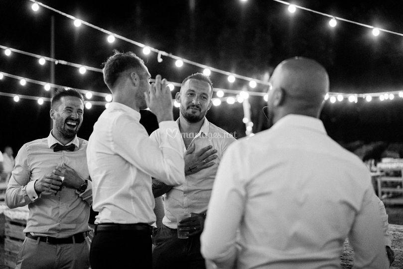 Témoins marié garçon émotion