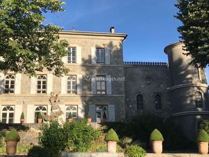 La façade et les tours