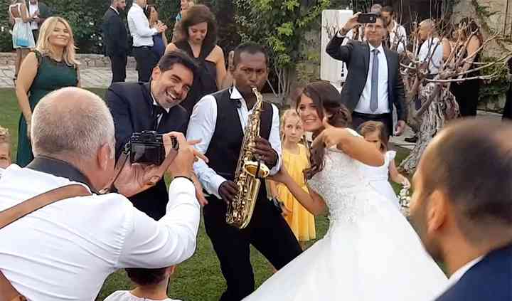 Saxophoniste cocktail mariage