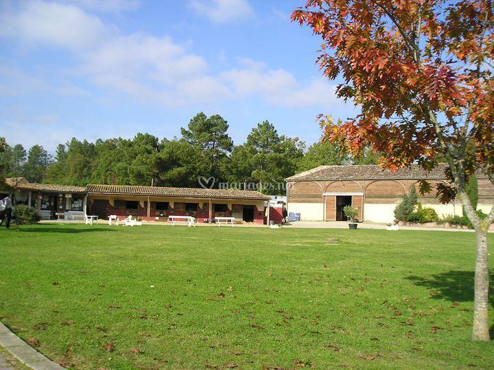 Manoir du grand vignoble - Centre equestre jardin acclimatation ...