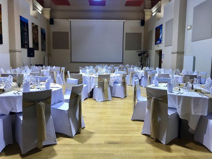 Salle prête pour réception