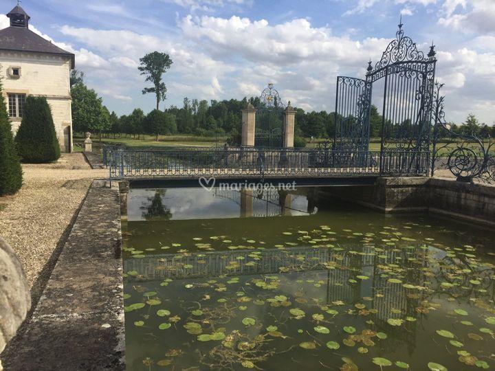 Douves et portails classés