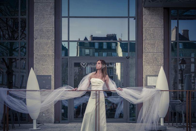 Idées de pose de photo de la mariée seule 15