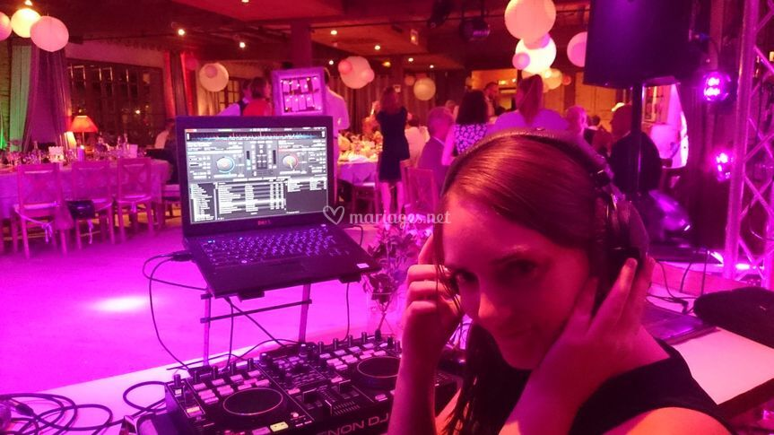 Claire, Notre DJ en Live !