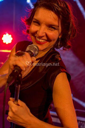 Francine au chant