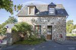 Maisons sur Ch�teau de Beaussais