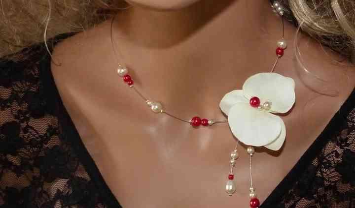 Collier mariage rouge orchidée
