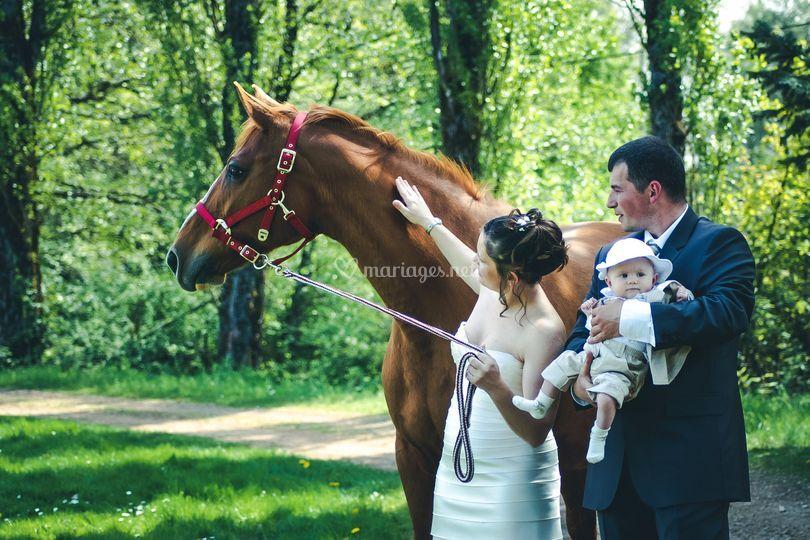 Les mariés en famille
