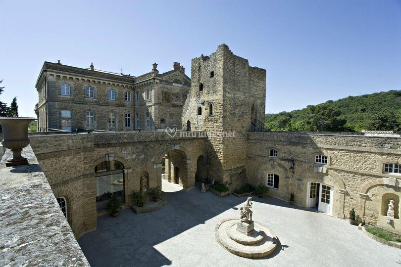 Le château et sa cour