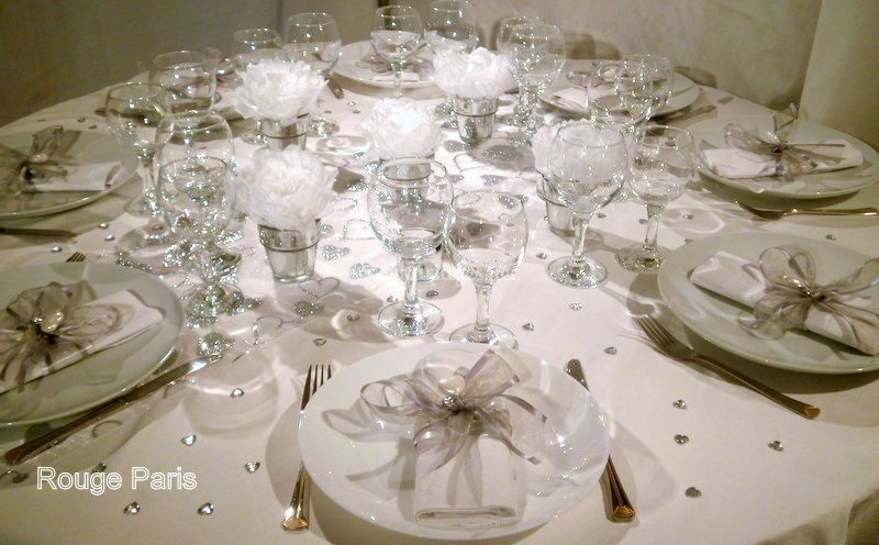 Table silver blanc.