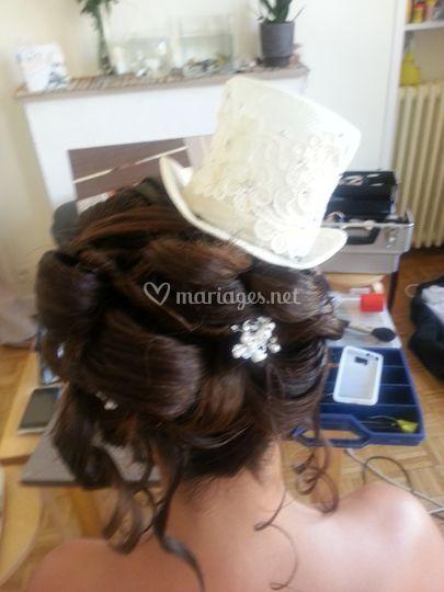 Coiffure mariée chapeau